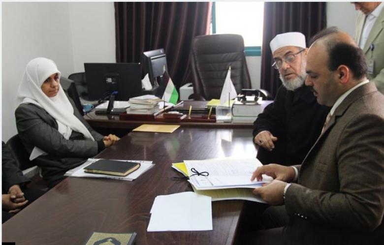 نواب الوسطى يناقشون قضايا المواطنين مع رئيس محكمة دير البلح