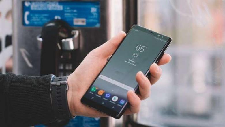 نوت 8 يحقق أعلى طلبات مسبقة بين هواتف فئته