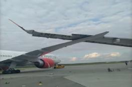 لحظة اصطدام طائرتين في مطار بروسيا