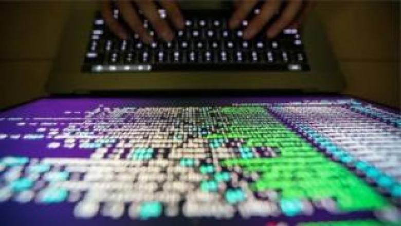 باحث في أمن الإنترنت يوقف فيروس الفدية