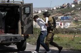 الاحتلال يعتقل شابا من قلقيلية على حاجز عسكري