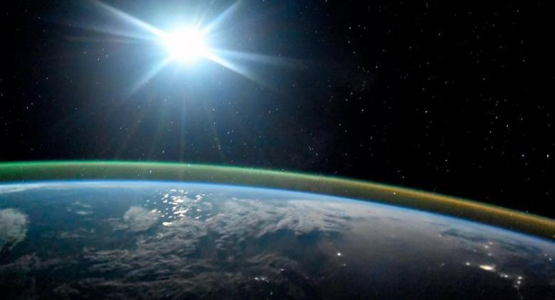 """""""الضوء السائل""""... ثورة جديدة قد تغير العالم"""