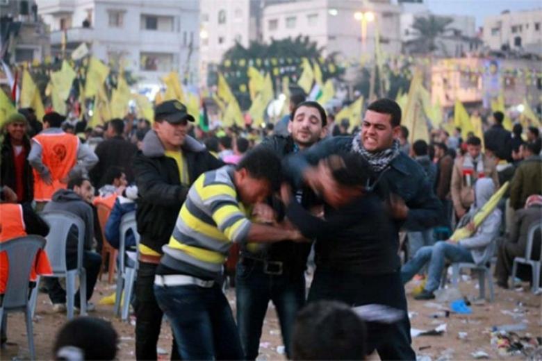 إصابات في صدام بين أنصار عباس ودحلان وسط القطاع