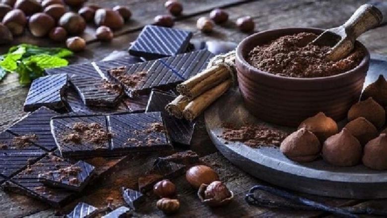 """حقن """"هرمون القبلة"""" الموجود في الشوكولاتة يعزز الدافع الجنسي للرجال"""