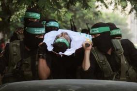 القسام يزف مجاهداً استشهد إثر انهيار نفق للمقاومة