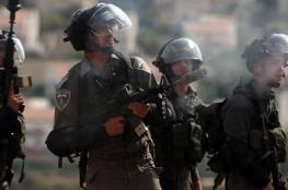 إصابات بالاختناق جراء إطلاق الاحتلال قنابل غاز شمال الخليل