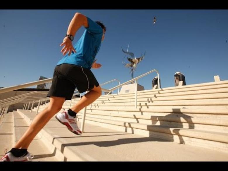 صعود الدرج يخفض ضغط الدم بعد سن الأمل