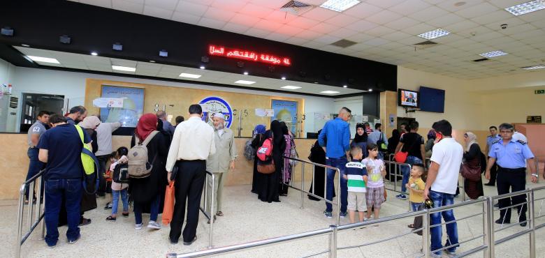 44 ألف مسافر تنقلوا عبر معبر الكرامة الأسبوع الماضي