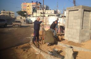 بلدية دير البلح تواصل العمل بميدان الشهيد محمد الزواري