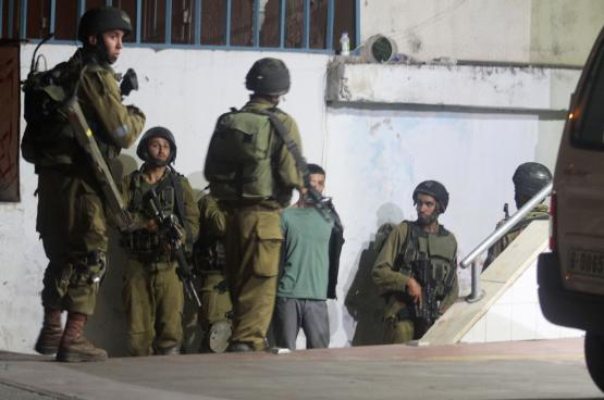 قوات الاحتلال تحتجز شابا من قباطية على حاجز عسكري