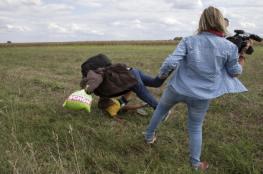 محكمة مجرية تعاقب صحفية عرقلت لاجئا سوريا