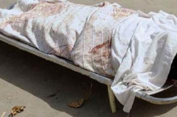 تاجر يُعذب ابنته حتى الموت بعد اختفاء مبلغ من منزله