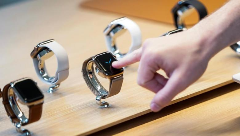 آبل تنال براءة اختراع رباط ساعة بكاميرا مدمجة به