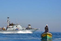 الاحتلال يستهدف الصيادين بقذيفة قبالة شاطئ السودانية