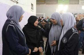 الشرطة الفلسطينية تسهل سفر المواطنين بصالة أبو يوسف النجار