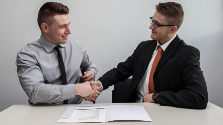 في مقابلة التوظيف.. ما الأسئلة التي عليك طرحها على مسؤول المقابلة؟