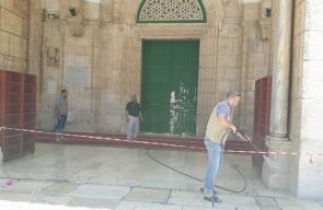 حملة تنظيف في باحات الأقصى لاستقبال رمضان
