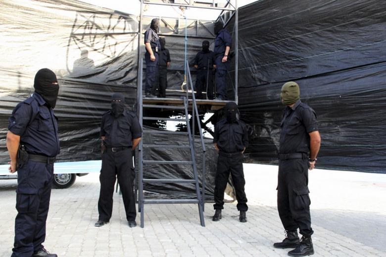 """""""التشريعي"""" يقرّ أحكام الإعدام الصادرة على مدانين بغزة"""