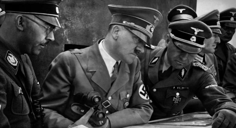 هتلر متهم بسرقة 10 ملايين جنيه استرليني