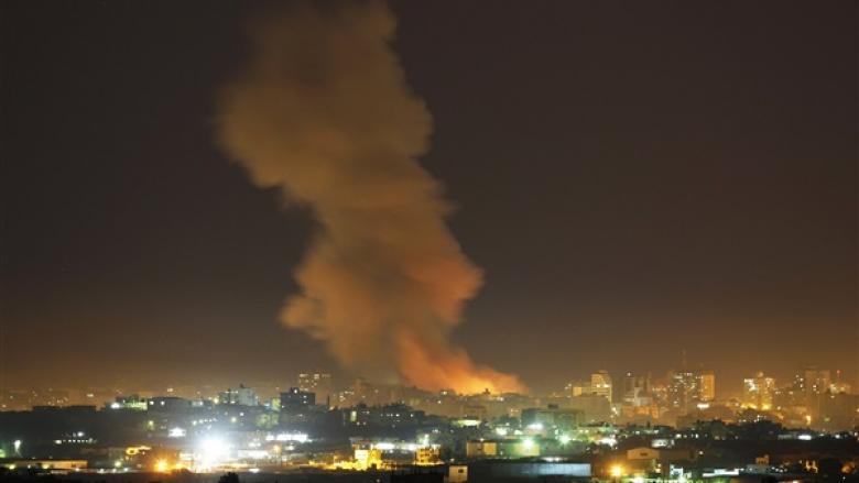 الاحتلال يقصف عدة مواقع للمقاومة في قطاع غزة