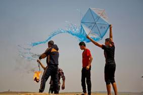 طائرات الاحتلال تستهدف مطلقي الطائرات الورقية شرق رفح