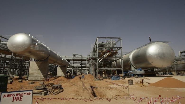"""""""أرامكو"""" تعلن رؤيتها لسوق النفط"""
