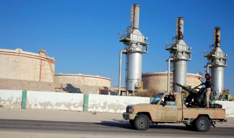 دعوات غربية لوقف القتال بالهلال النفطي