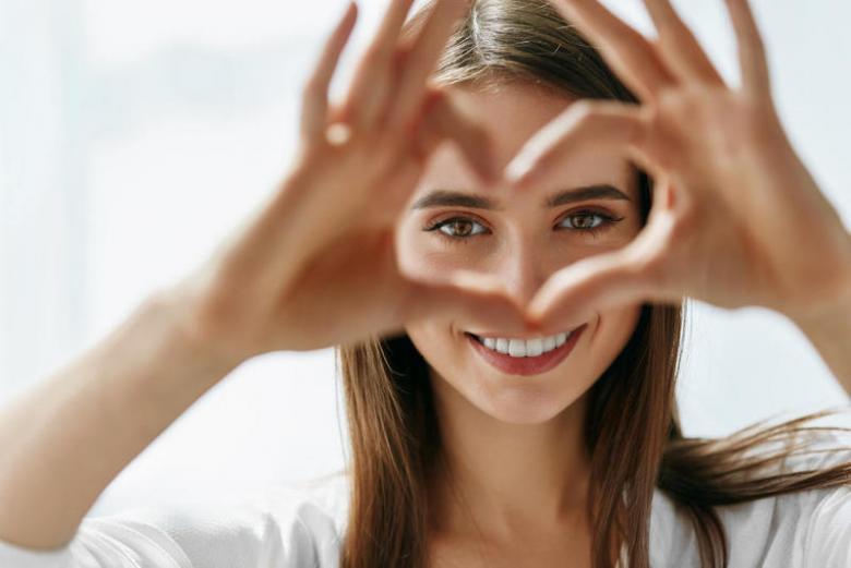 وصفات طبيعية لعيون لامعة