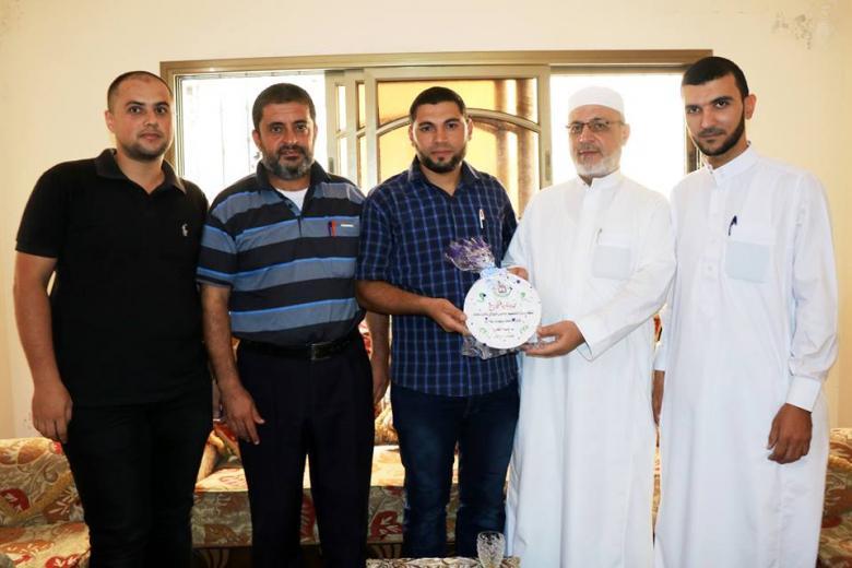 دار القرآن الكريم والسنة تكرم حفظة كتاب الله شرق غزة
