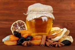 العسل والقرفة .. خلطة علاجية سحرية