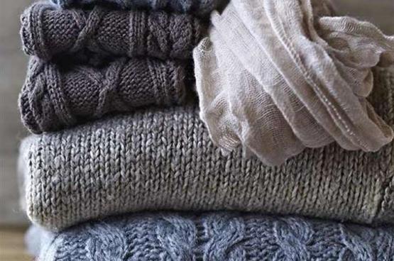 كيف تتخلصين من الوبر العالق في الملابس الصوفية؟