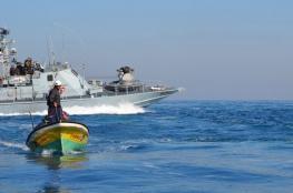 الزوارق المصرية والإسرائيلية تستهدف الصيادين بغزة ورفح