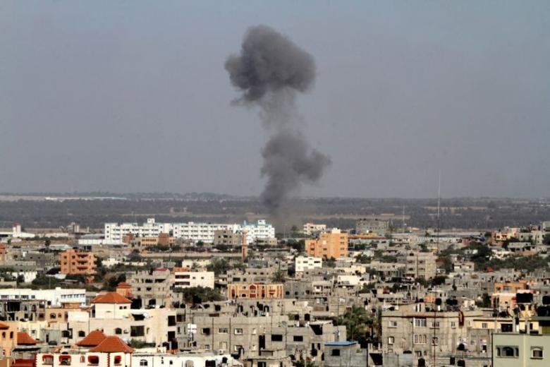 صحيفة إسرائيلية: استمرار قصف غزة قد يؤدي لحرب جديدة