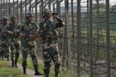 الهند وباكستان تتبادلان إطلاق النار في كشمير