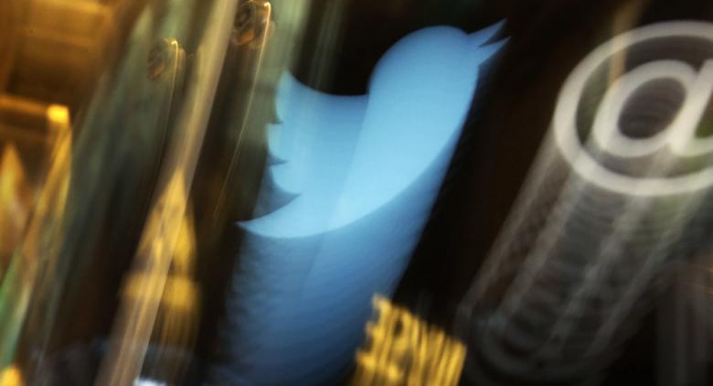 تويتر يتراجع عن قرار أغضب الملايين من مستخدميه حول العالم