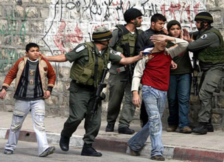 الاحتلال يعتقل طفلين شقيقين من مخيم شعفاط