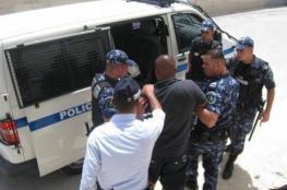 الشرطة تقبض على مطلوبين خطيرين في نابلس
