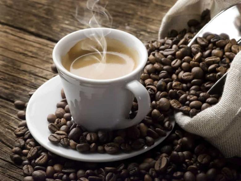 دراسة: ستة أكواب من القهوة تقلل من خطر الإصابة بالالتهاب الدماغي