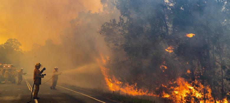تبرع جيف بيزوس لإطفاء حرائق أستراليا يشعل انتقادات لاذعة