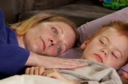 أم ترفض علاج ابنها المصاب بالسرطـان!