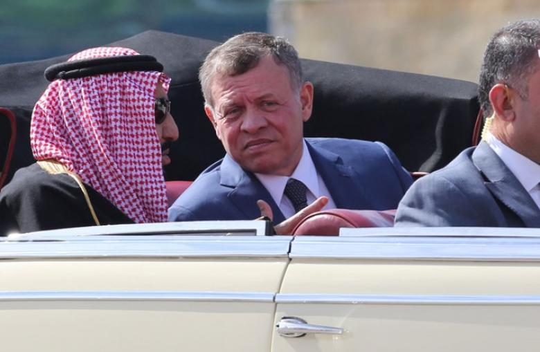 """ملك الأردن يصل جدة """"محرما"""" قبل المشاركة في القمة"""