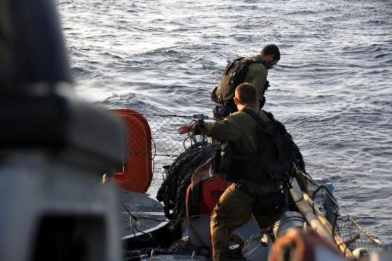 الاحتلال يطلق سراح صيادين اعتقلهم في بحر رفح