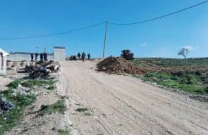 الاحتلال يجرف أراضي ويضع سواتر ترابية جنوب نابلس