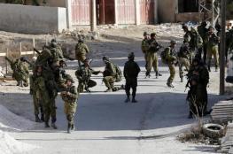 الاحتلال يغلق أحد مفترقات الطرق الرئيسية قرب الخليل