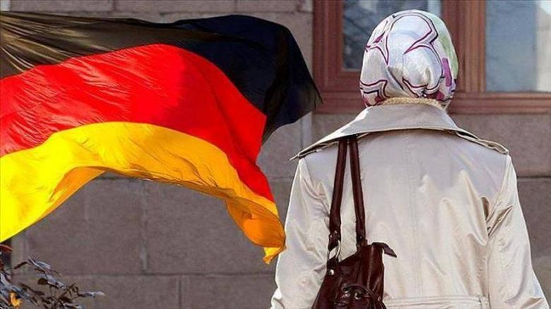 غرامة تُقدر بـ60 يورو لكل من ترتدي النقاب أثناء قيادة السيارة في ألمانيا