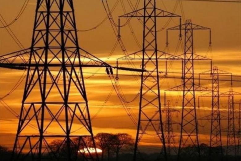 يديعوت: خط الكهرباء 161 سيتم تنفيذه قريبًا بغزة
