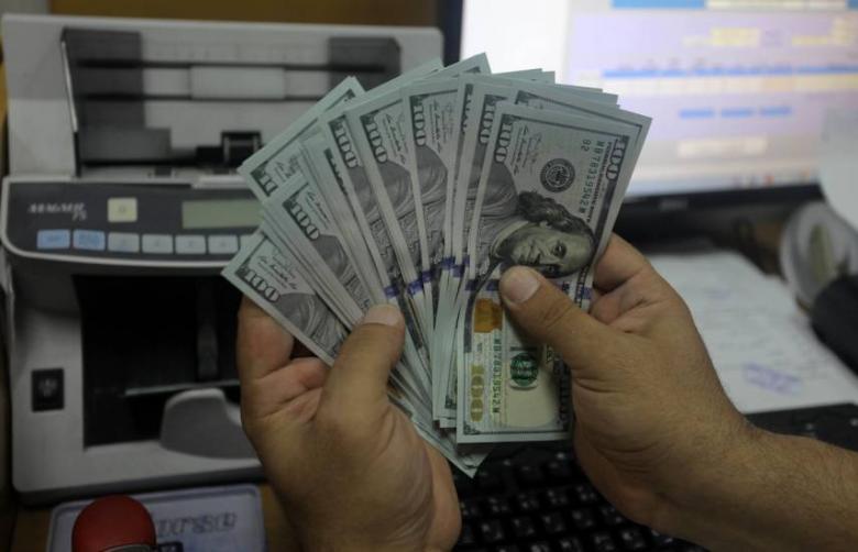 الدولار يتربّع على عرش عملات الاحتياط الدولية