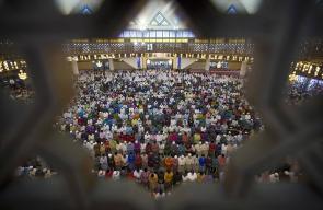 صلاة العيد في جاكرتا بماليزيا