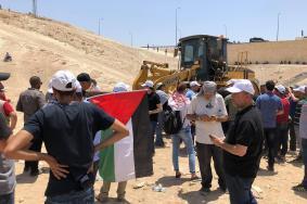 """الاحتلال يؤجل إخلاء الخان الأحمر بعد اجتماع """"الكابينيت"""""""