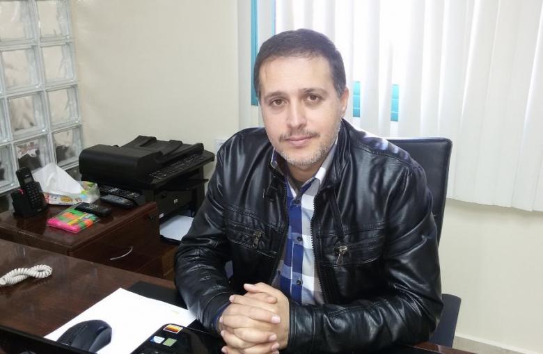 """المحرر """"عز الدين"""" يناشد بالتدخل لعلاجه خارج القطاع"""